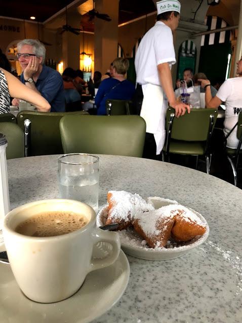 Cafe Du Monde NOLA begniets